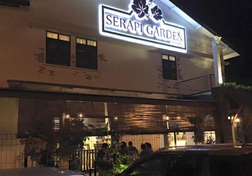Serapi Garden Cafe @ Jalan Satok
